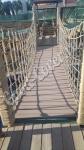 Подвесной мост с использованием террасной доски ДПК Good Cover цвет кофе с молоком