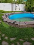 Внутренняя и наружная окантовка бассейна выполнена из террасной доски Good Cover Стандарт